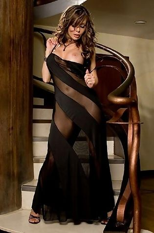 Sexy Babe Crissy Moran Strips