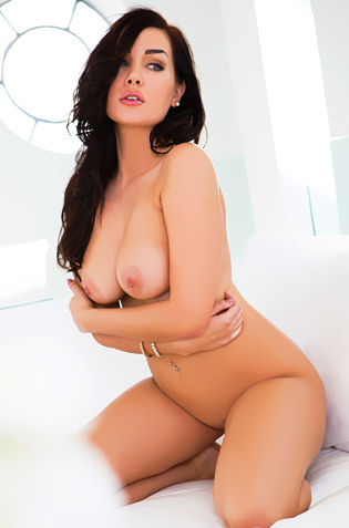 Ann Denise In Bed Stripteasing