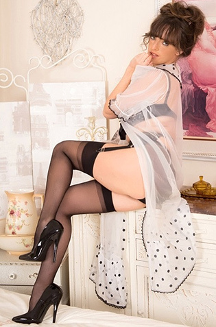 Kate Anne Elegant Babe