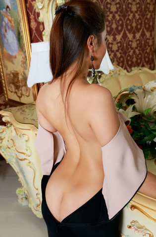 Elegant Lady Stefany Sonri Strips By The Mirror